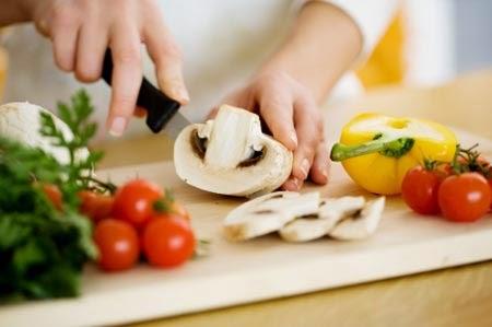 tuyển dụng phụ bếp_giaoducnghe.edu.vn