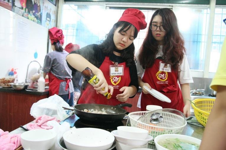 lớp nấu ăn trẻ em_giaoducnghe