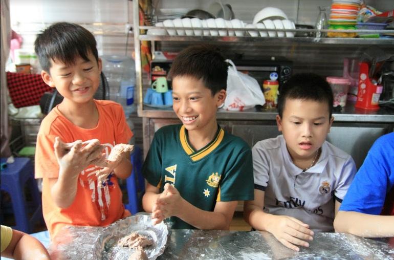 học nấu ăn trẻ em_giaoducnghe