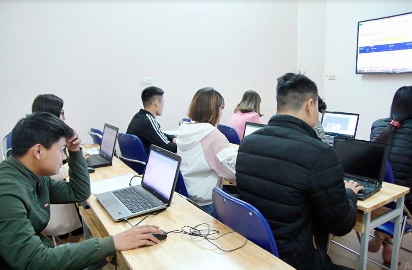 lớp học công nghệ thông tin_giaoducnghe