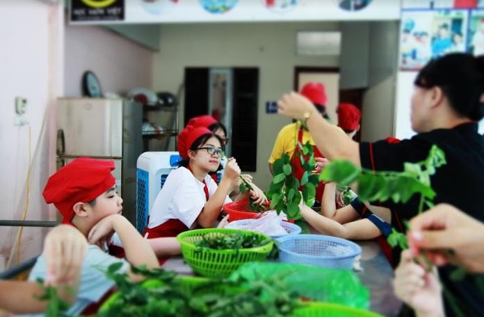 lớp nấu ăn trẻ em_giaoducnghe.edu.vn