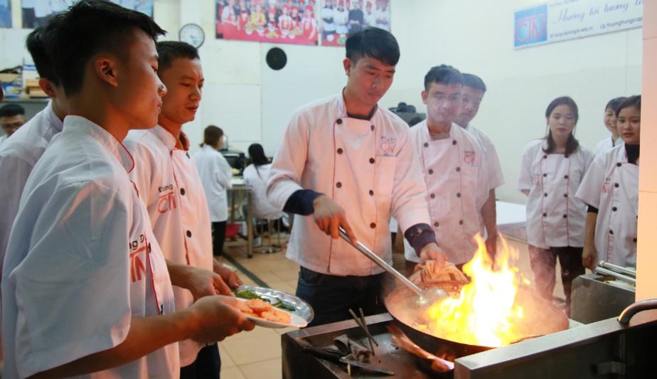 học nấu ăn giáo dục nghề