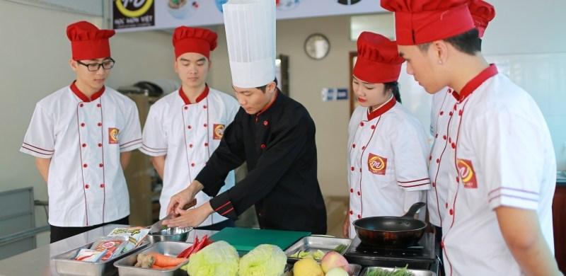 Định hướng nghề nghiệp cho các đầu bếp tương lai