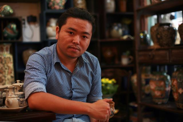 Hoàng Việt Hải thành công với nghề gốm sắc xanh vừa quen vừa lạ