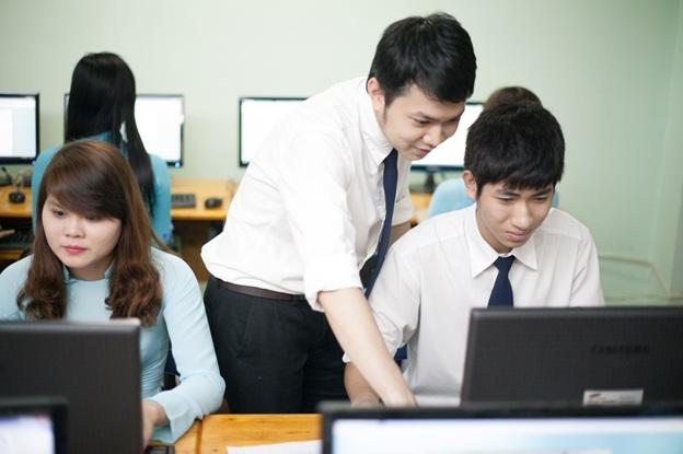 Kỹ năng cần có của bạn trẻ học nghề Công nghệ thông tin