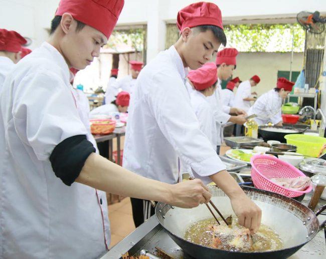 9 bí quyết học nấu ăn cơ bản dành cho người mới bắt đầu giáo dục nghề