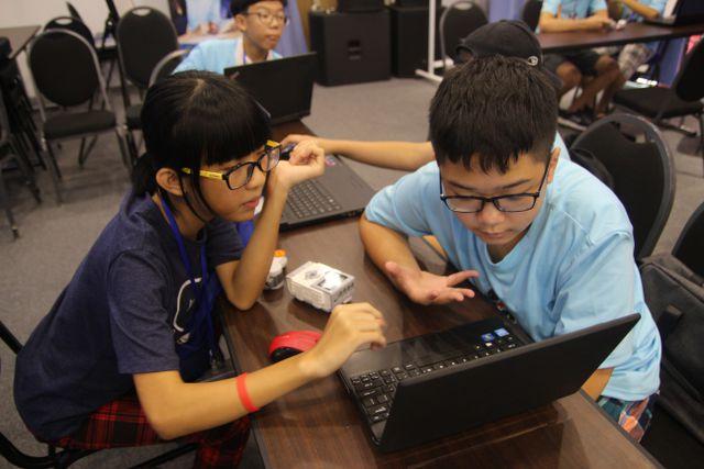 trại hè công nghệ thông tin_giaoducnghe.edu.vn