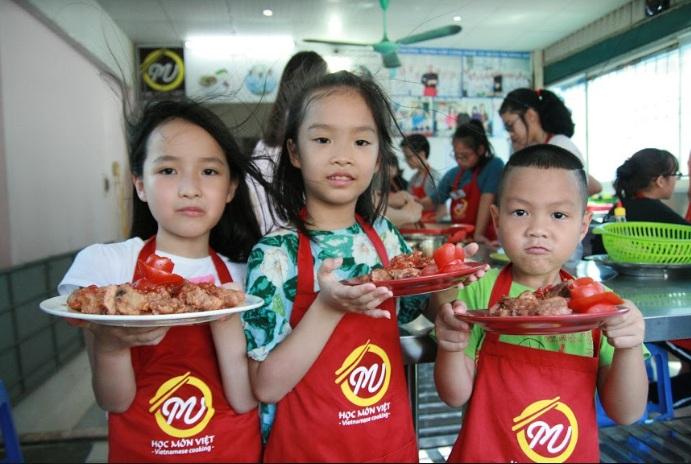 Khai giảng lớp nấu ăn cho trẻ em ngày 27/6/2019
