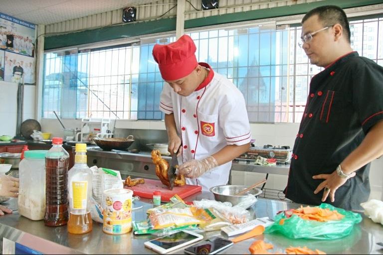 học đầu bếp việt_giaoducnghe.edu.vn2