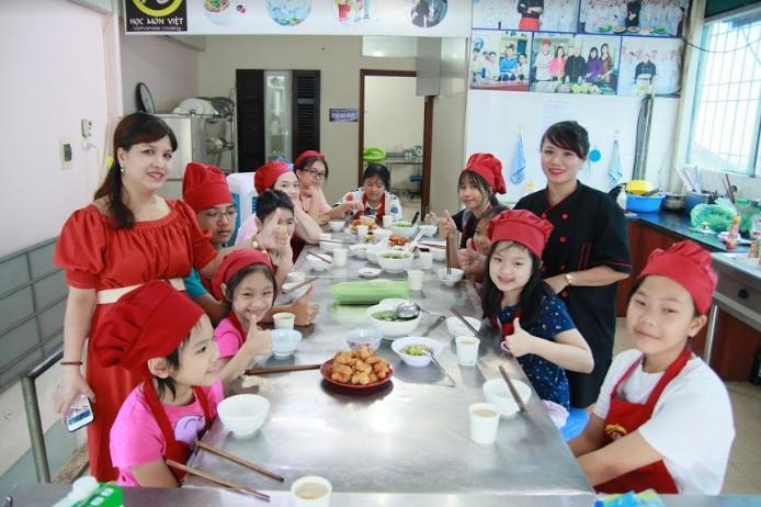 Khóa học nấu ăn cho trẻ em giáo dục nghề