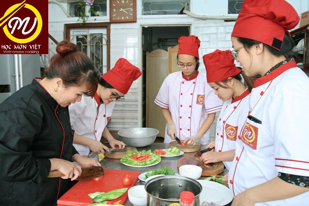 8/8/2019 Khai giảng khóa học nấu ăn gia đình chất lượng tại Hà Nội