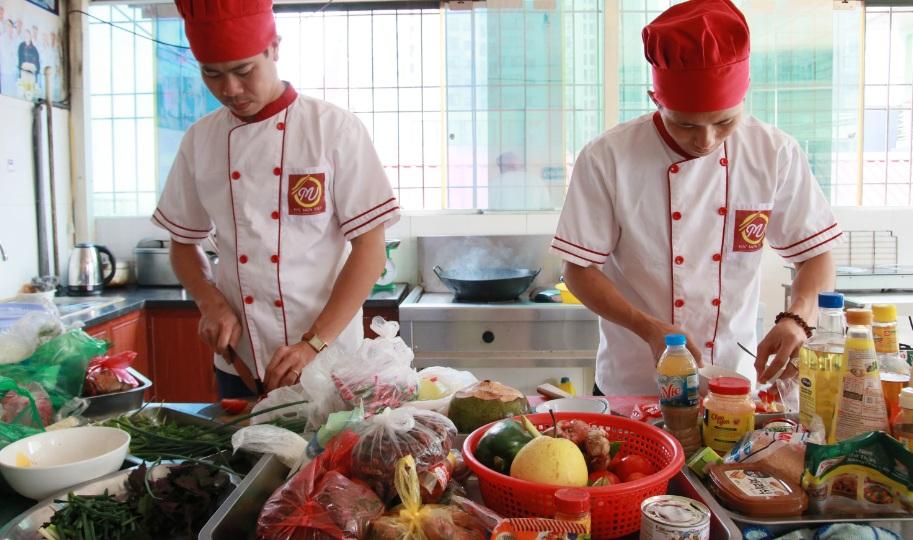Đầu bếp việt giáo dục nghề