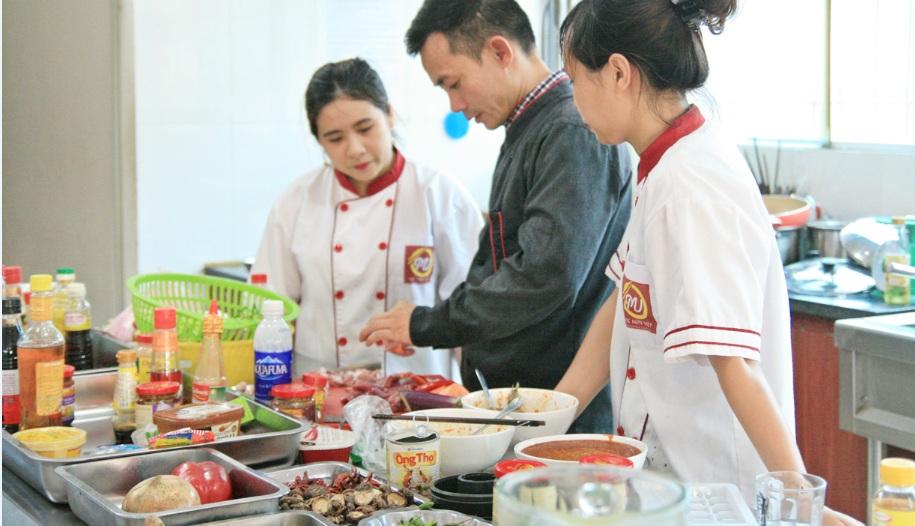 học nghề đầu bếp giáo dục nghề