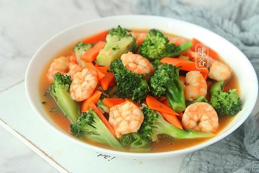 Bông cải xanh xào tôm tươi, món ngon tăng sức đề kháng cho mùa dịch