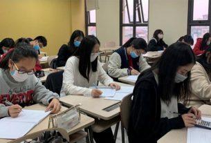 học sinh sinh viên đi học trở lại giáo dục nghề