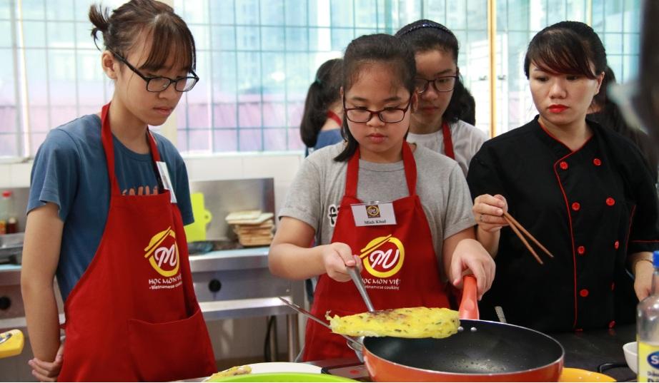 9 Lý do nên cho trẻ em học nấu ăn