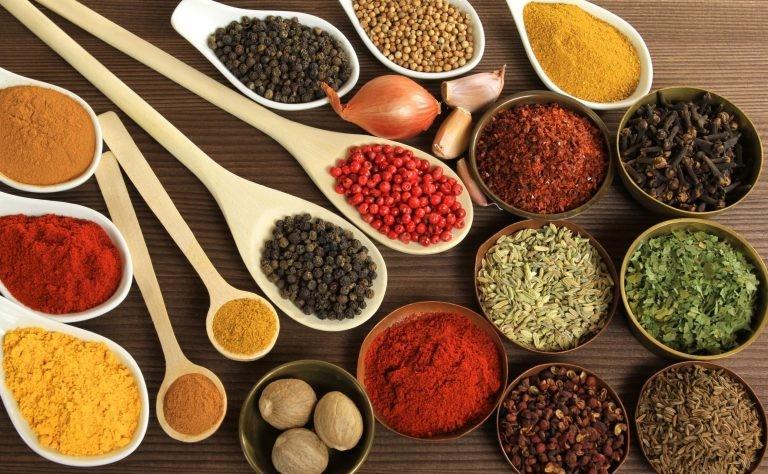 học đầu bếp việt hiểu tính chất gia vị giáo dục nghề