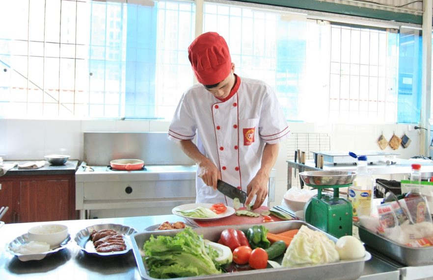 kỹ năng đầu bếp cần có giáo dục nghề
