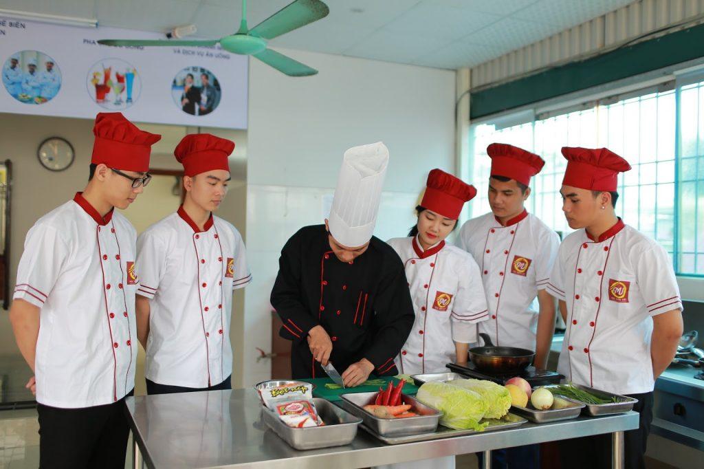 khóa học đầu bếp việt giáo dục nghề