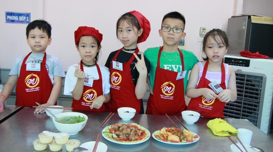 Trại Hè khóa 2: Khai Giảng Lớp Nấu Ăn Trẻ Em Ngày 29/07/2020