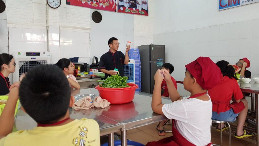 lớp nấu ăn trẻ em tại Hà Nội - Giáo dục nghề