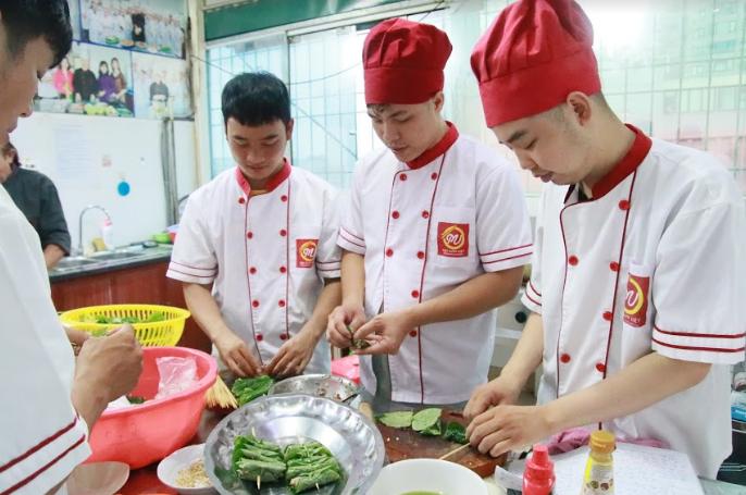 khóa học nấu ăn gia đình giáo dục nghề