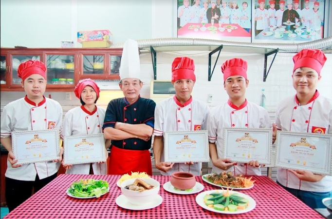 26/10/2020 khai giảng Khóa học Đầu bếp Việt tại Hà Nội